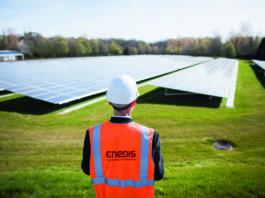 Ferme solaire - panneaux photovoltaïques sur le site Challenger Bouygues