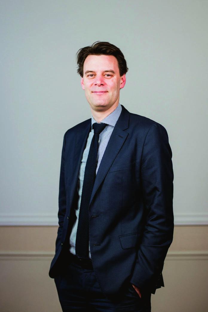 Denis Ferrand est directeur général du Centre d'observation économique et de Recherche pour l'expansion de l'économie et le développement des entreprises (COE-Rexecode) depuis décembre 2008. Docteur en économie de l'université Pierre-Mendès-France de Grenoble, il est chargé du cours d'analyse de la conjoncture à l'Institut gestion de patrimoine de l'université Paris-Dauphine et intervient comme expert en macroéconomie auprès de l'association Progrès du management. Il est par ailleurs président de la Société d'économie politique depuis novembre2016.
