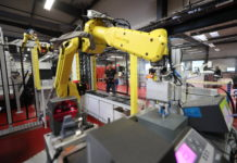La robotisation est l'un des axes clés de développement identifiés par l'Alliance pour l'industrie du futur. Ici, la nouvelle usine automatisée d'ensembles vissés de JPB Système, à Brie-Comte-Robert.